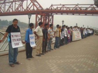 protest against Tipaimukh dam