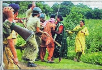 Police lathicharged on women of Lalgarh, 28 July 2009.