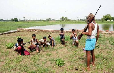 Sena goons training children in using fire arms in gunda raj Bihar