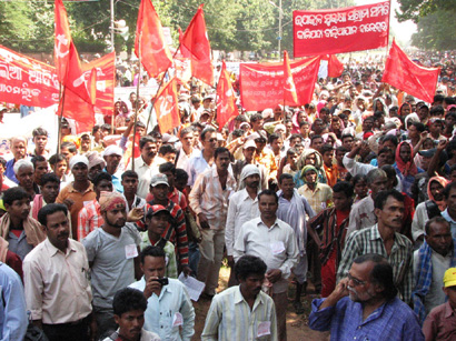 Tribals took out a huge rally on Tuesday at Bhubaneswar demanding amendment in land reforms Act and check in mining lease on forest lands. Photo-Ashok Panda 3